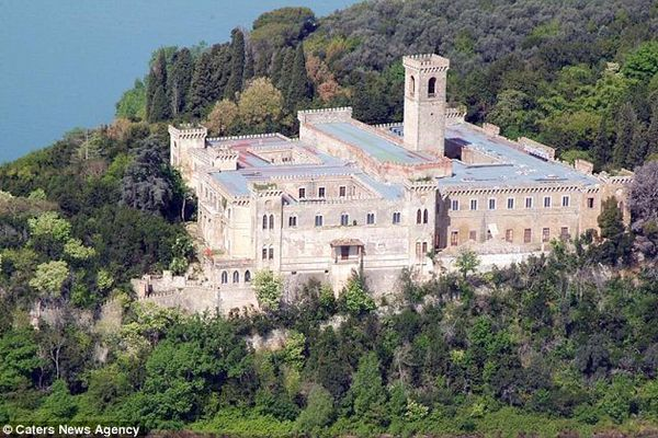 Old castle on Lake Trasimeno is up for sale for €4 million