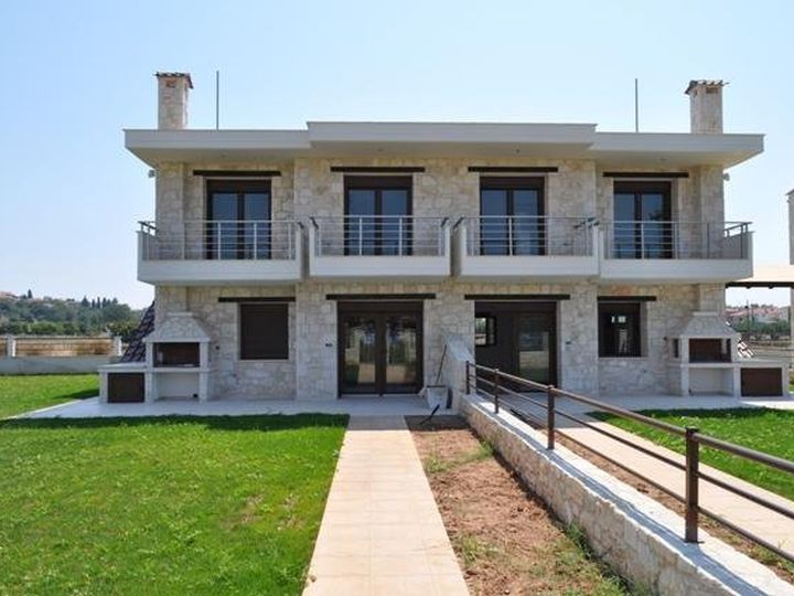 Townhouse in city Nea Moudania