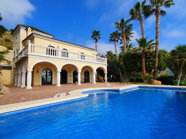 Villa in city El Campello