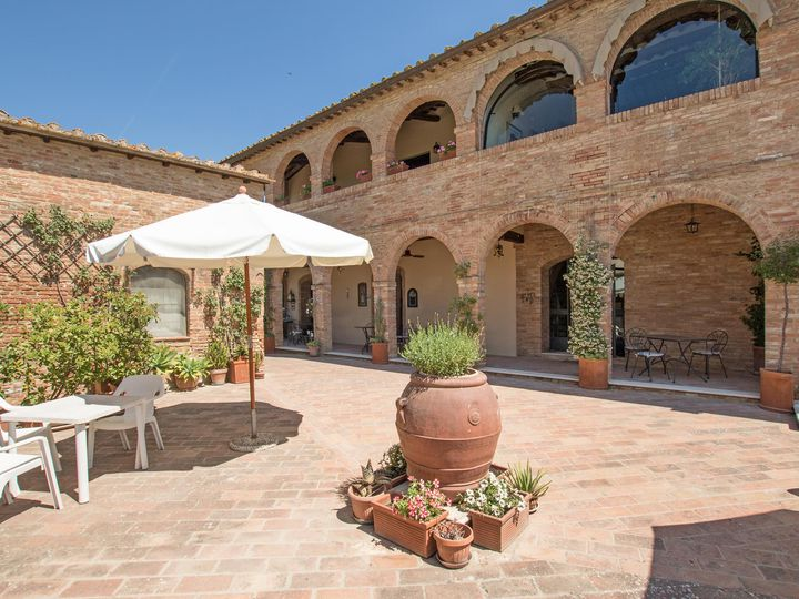 Estate in city Montalcino