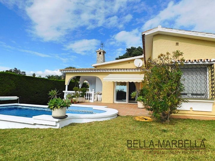 Bungalow in district Elviria in city Marbella
