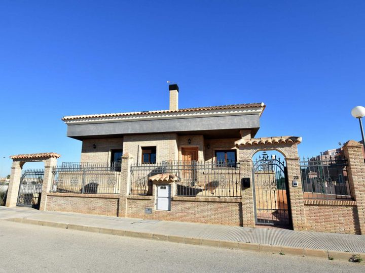 Villa in city Los Montesinos
