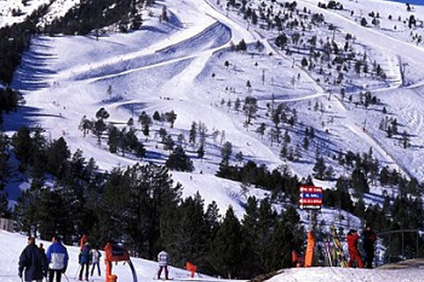 "Ski resorts ""rebrending"" in Andorra"