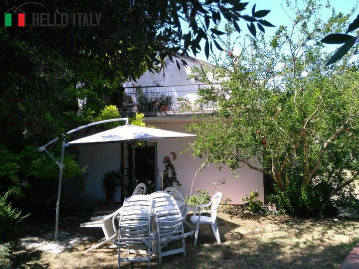 Cottage in city Ancona