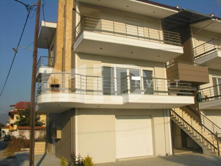 Townhouse in city Orfani