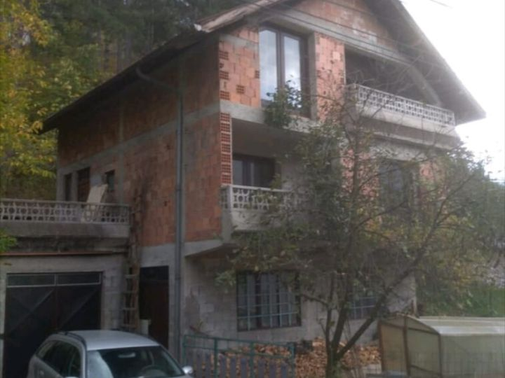 Detached house in city Konjic