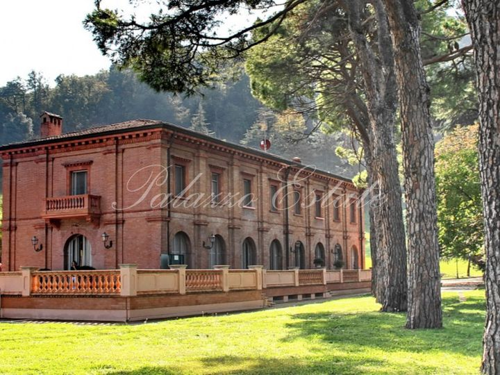 Villa in city Bologna