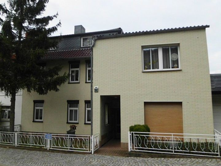 Detached house in city Grosslohra