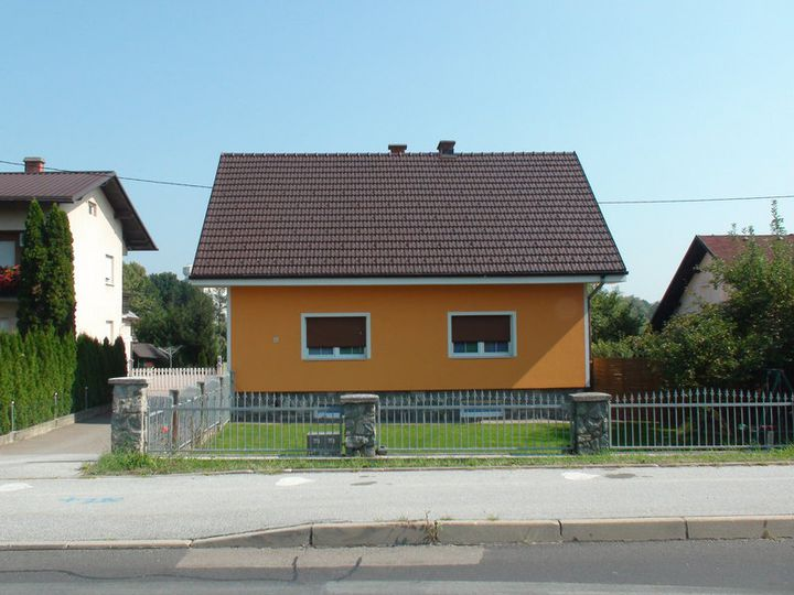 Detached house in city Radenci