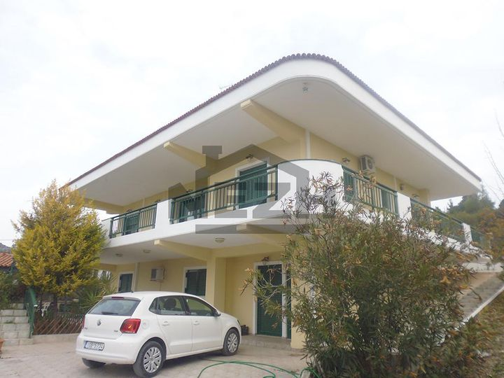 House in city Korinthos