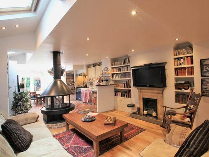 Detached house in city London