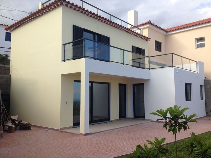 Detached house in city Funchal