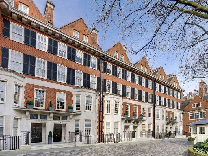Townhouse in city London
