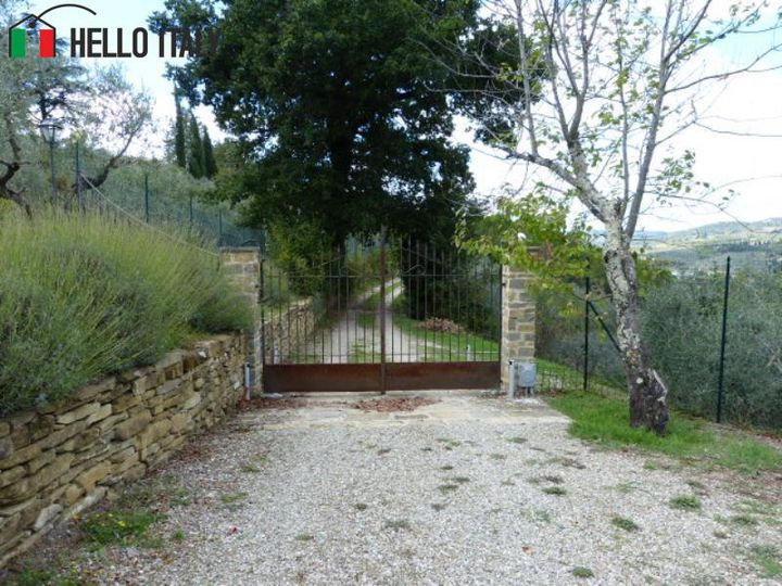 Cottage in city Arezzo