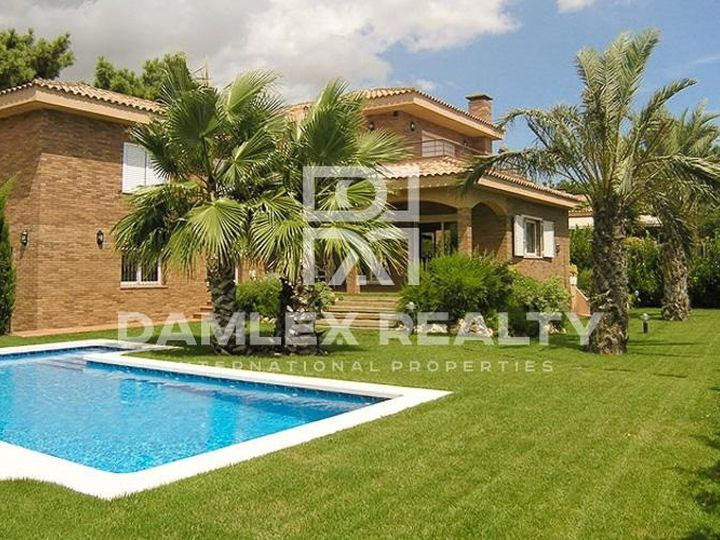 Villa in city Sant Pol de Mar