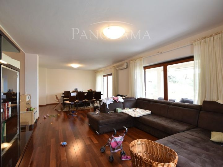 Apartment in city Porech