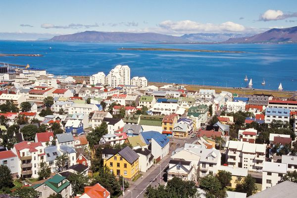 On trail of Icelandic real estate bargains