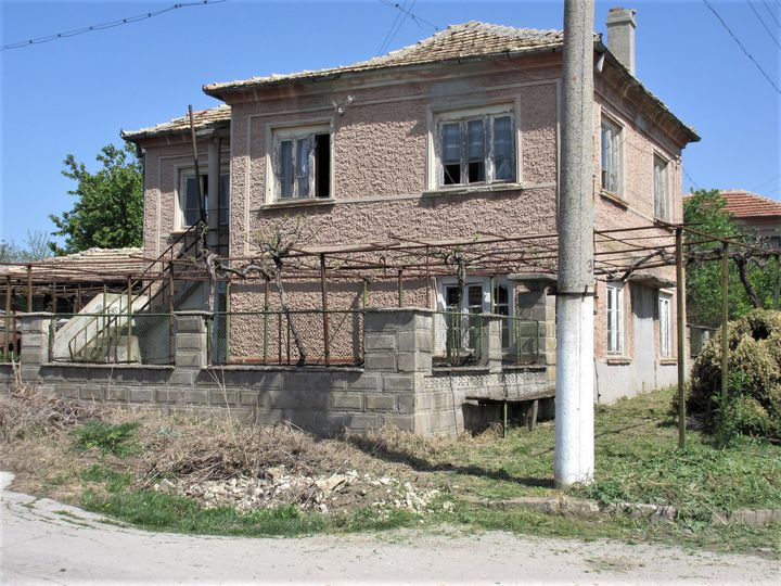 House in city Dobrich