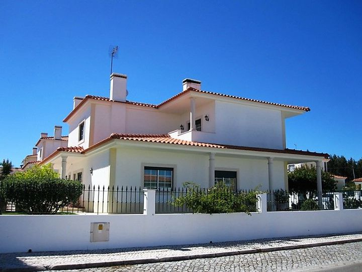 House in city Obidos