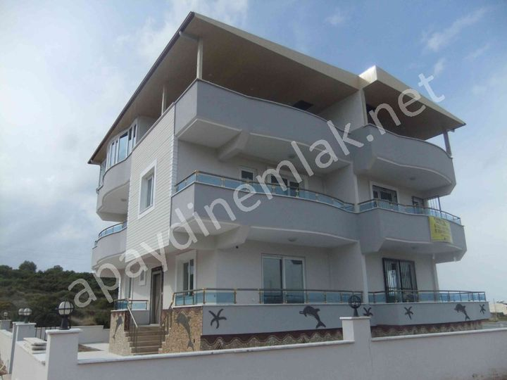 Semi-detached house in city Didim