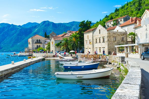 Timeline of issuing residence permits for housing purchase in Montenegro