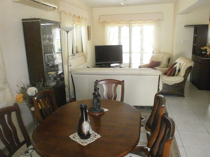 Detached house in city Larnaca