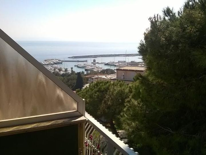Penthouse in city San Remo