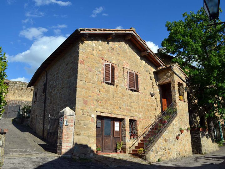 Townhouse in city Pienza