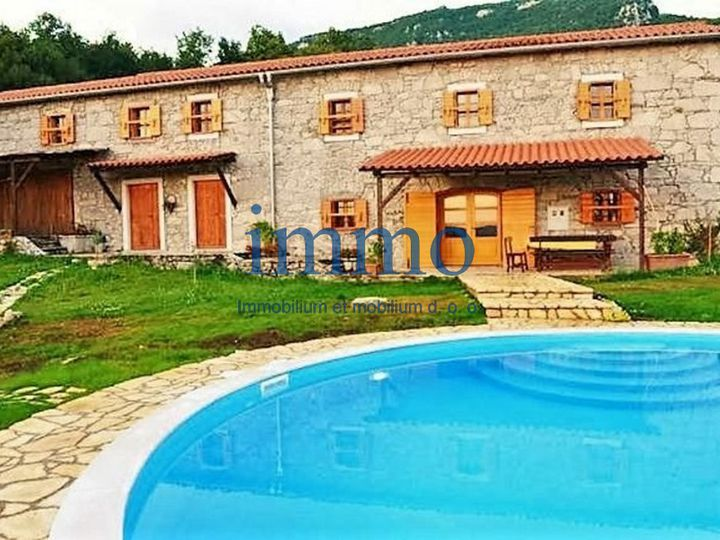 Detached house in city Buzet