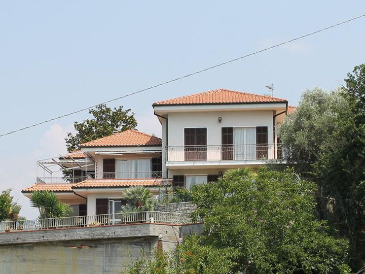 Villa in city Vallecrosia