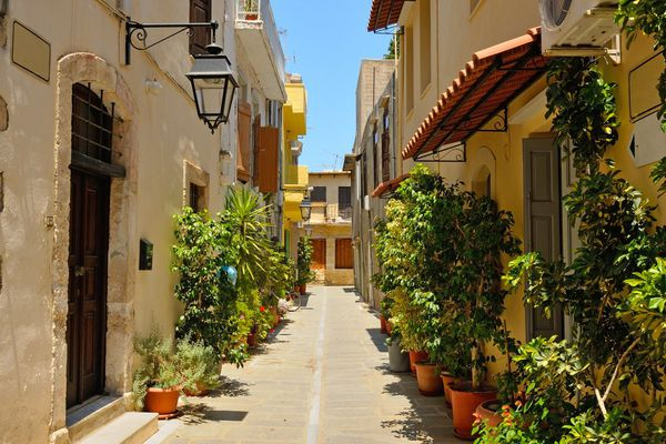 In Greece on auctions will be sold 200 000 real estate objects