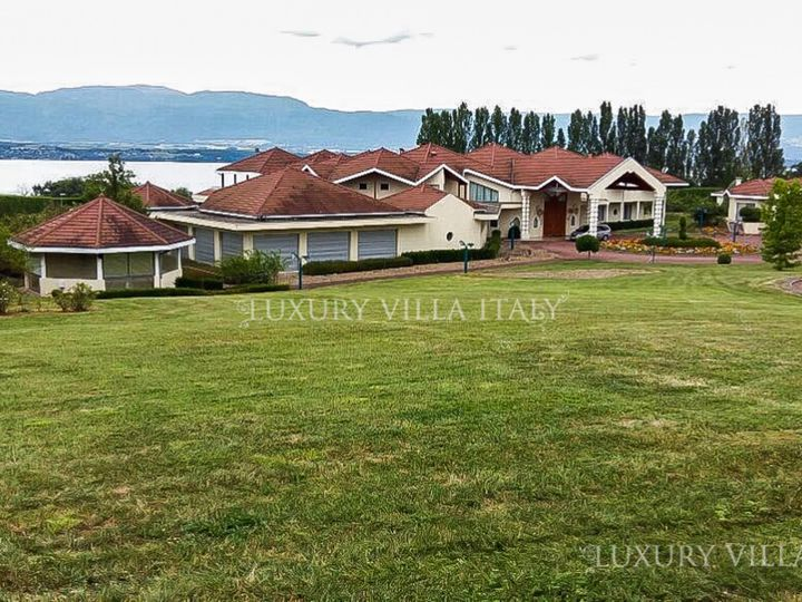 Villa in city Geneva