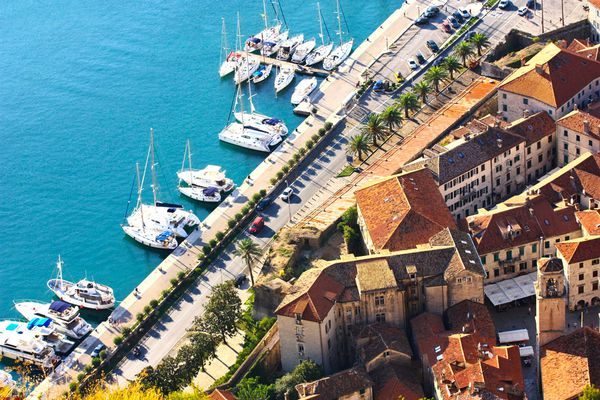 In Montenegro, the new housing prices fell over the year by 10.2%