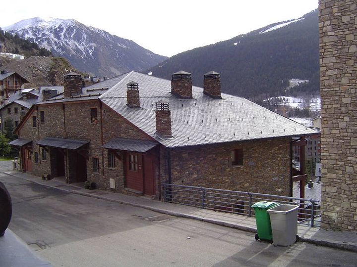 Townhouse in city Canillo