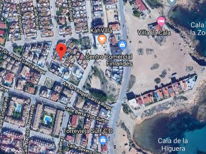 Cottage in city La Mata
