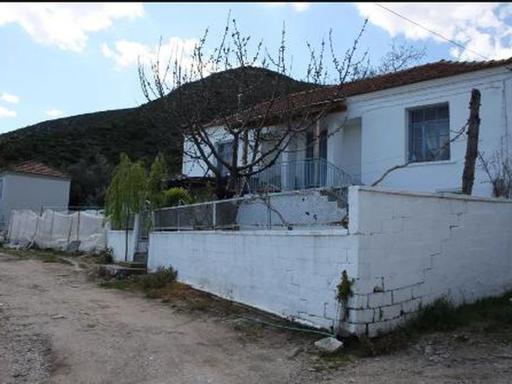 Detached house in city Kavala