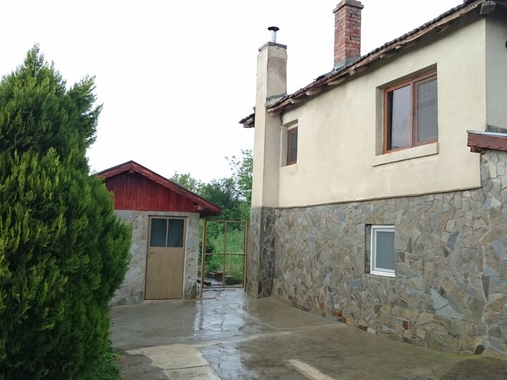 Detached house in city Burgas