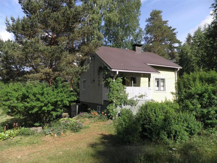 Detached house in city Miehikkala