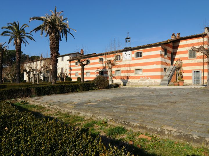 Estate in city Pescia