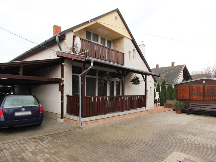 Detached house in city Keszthely