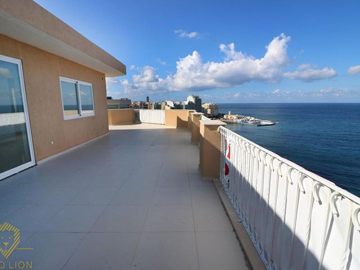 Penthouse in city Sliema