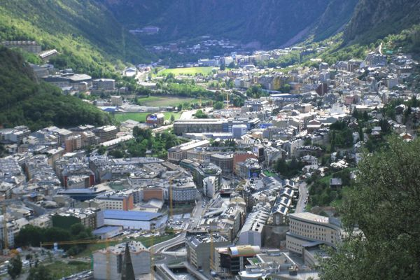 an overview of andorra country Overview andorra central cities of the country—andorra la vella this work has been developed within the framework of collaboration between mit media lab.
