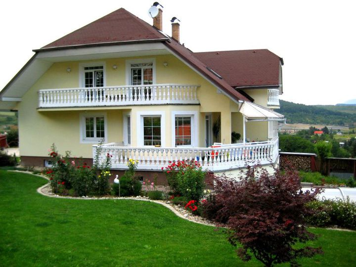 Detached house in city Presov