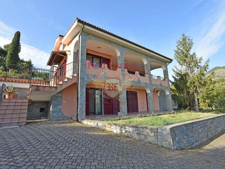 Villa in city San Remo