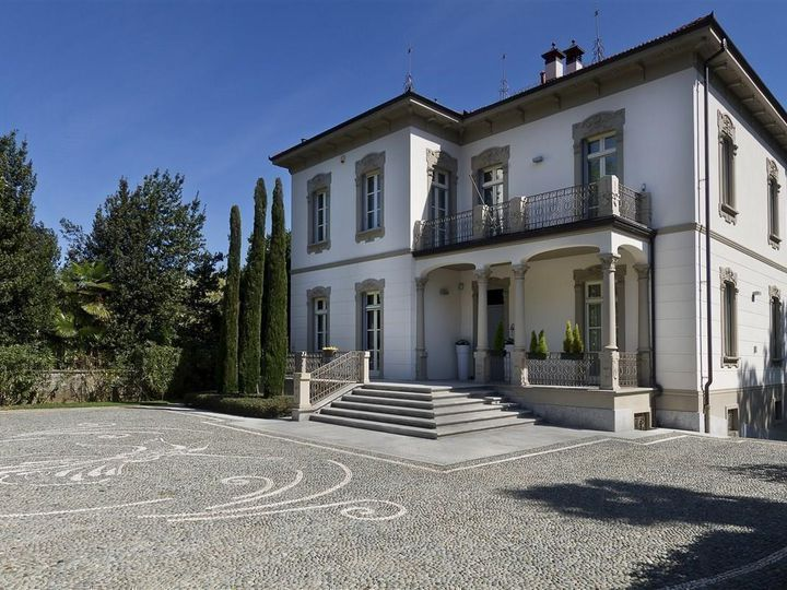 Villa in city Lesa