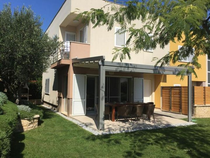 House in city Vodice