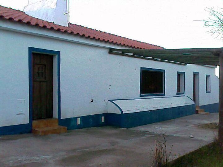 Cottage in city Evora