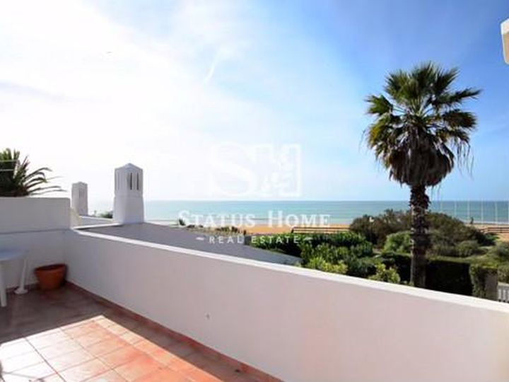 Townhouse in city Vale de Lobo