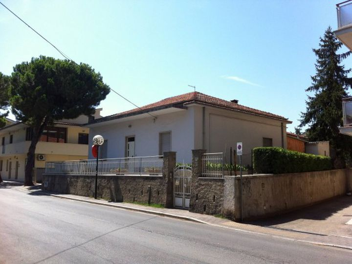 Detached house in city Pescara