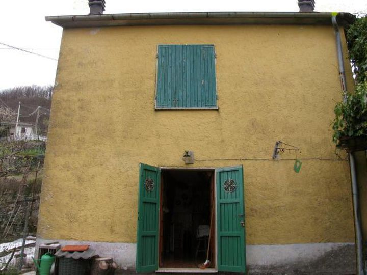 Detached house in city Zeri